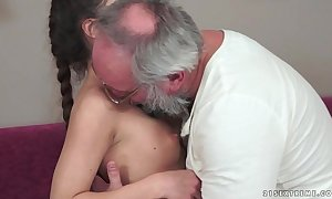 Teenie anita bellini receives drilled overwrought a old man