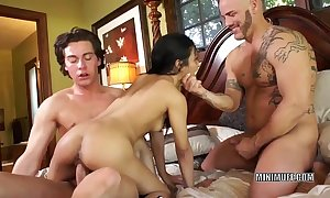 Filipina old maid sydnee taylor gets fucked respecting a threesome