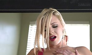 Anal orgasm be incumbent on blonde goddess lena nicole