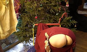 Christmas pawg surprise! - erin electra