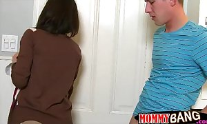 Stepmom veronica avluv lewd Three-some in the crowded room