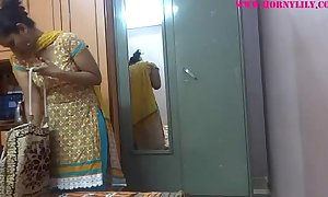 Indian dilettante hotties lily sex - xvideos.com