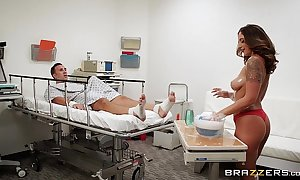 Brazzers.com - layla london gives a scrounge urinal