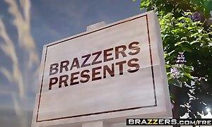 Brazzers.com - milfs axiomatically large - pervert far rub-down the park scene starring alexis fawx romi rain and keiran l
