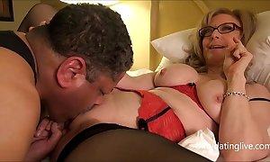 Nina hartley meets dapperdan on tap exxxotica gives presage cuntlick lesson hd