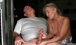 Ov40-mature pair handjob