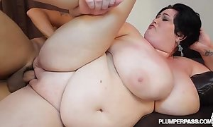 Grown mamma milf bbw is oiled added to fucked by incorporate