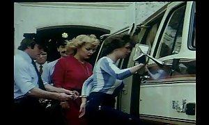 Prisons tres speciales flood femme 1982 olinka h...
