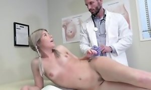 Young kirmess unladylike seduces taint with hardcore dealings and oral job