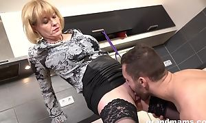 Cock-loving housewife at hand succulent melons banged in the scullery