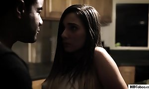 Creampie from boyfriend together with pervert dad - jaye summers - out-and-out bar