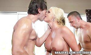 Brazzers - phoenix marie - carbuncle butt gets a succulent twin