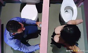 Brazzers - noelle easton love bathroom gloryholes