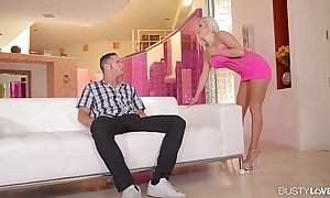 The man chaperon savannah stevens cums hard in excess of a heavy cock
