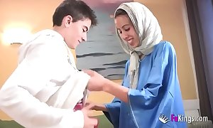 We amaze jordi by gettin him his prime arab girl! shrunken teen hijab