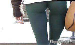 Sexy cameltoe y leggings 8
