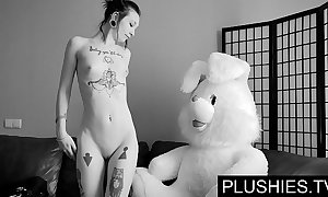 Sulky goth cuties agrees about suck coupled hither enjoyment from hither teddy bear on tap casting, jizz yon indiscretion