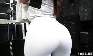 Booty keisha superannuated gets fucked handy the gym