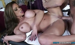 Squirting milf screwed on the rub-down table